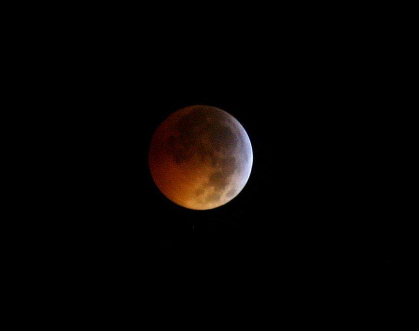 c993a6776716 Total lunar eclipse meets supermoon Sunday night - Statesboro Herald